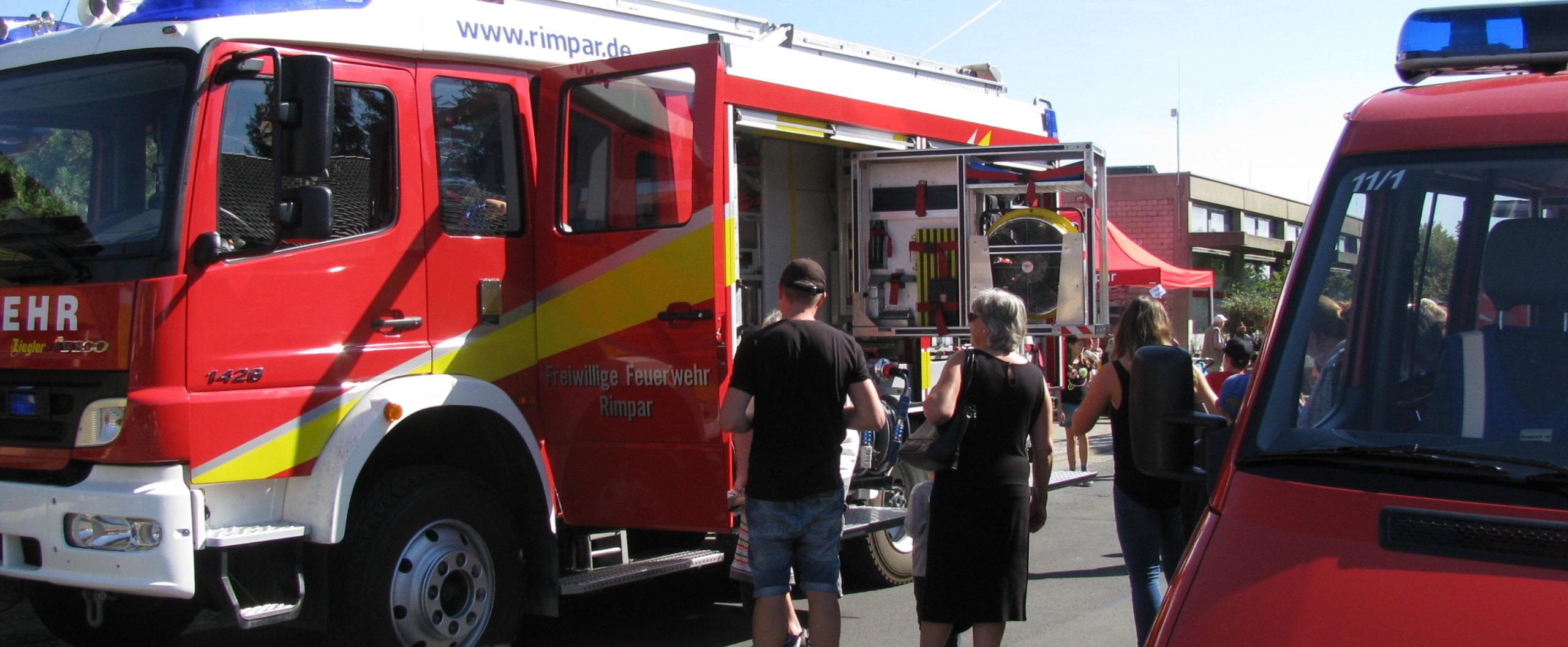 Feuerwehrfahrzeuge beim Tag der offenen Türe